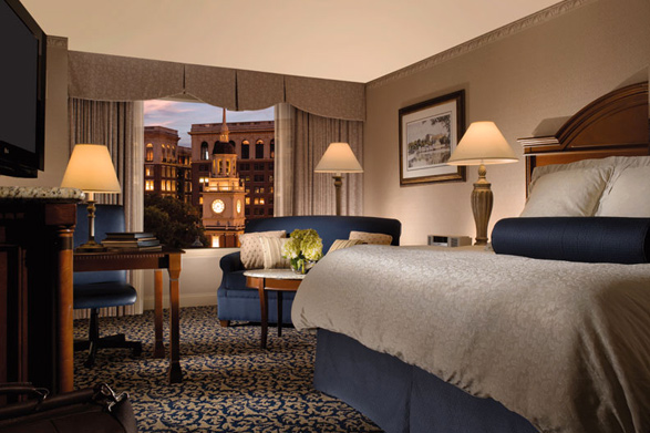 A guest room at the Omni at Independence Park with a view of Independence Hall